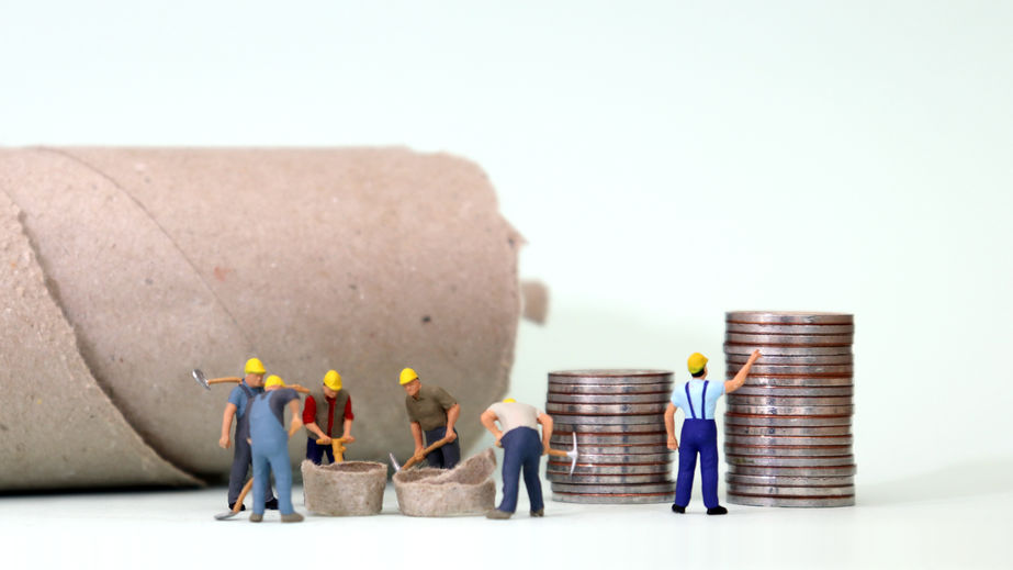 Article image for Unions call for minimum wage workers to be paid an extra $43 a week