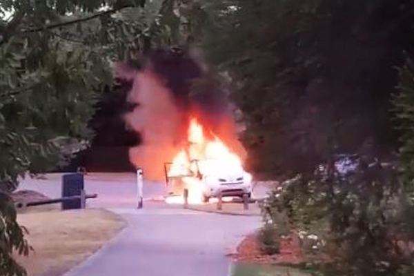 Article image for VIDEO: Car explodes in Mount Waverley