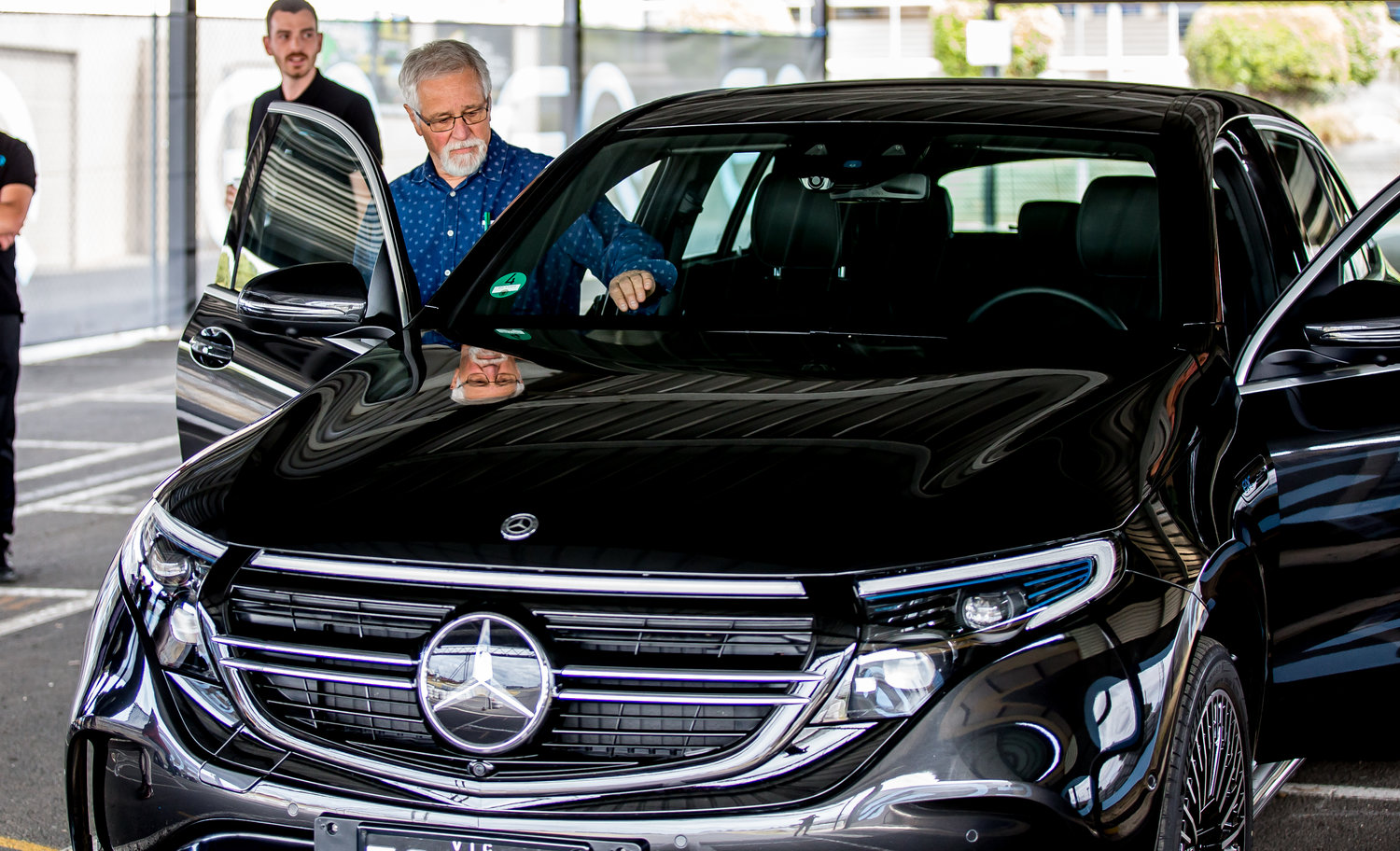Article image for Neil Mitchell does a test lap in the new Mercedes-Benz EQC