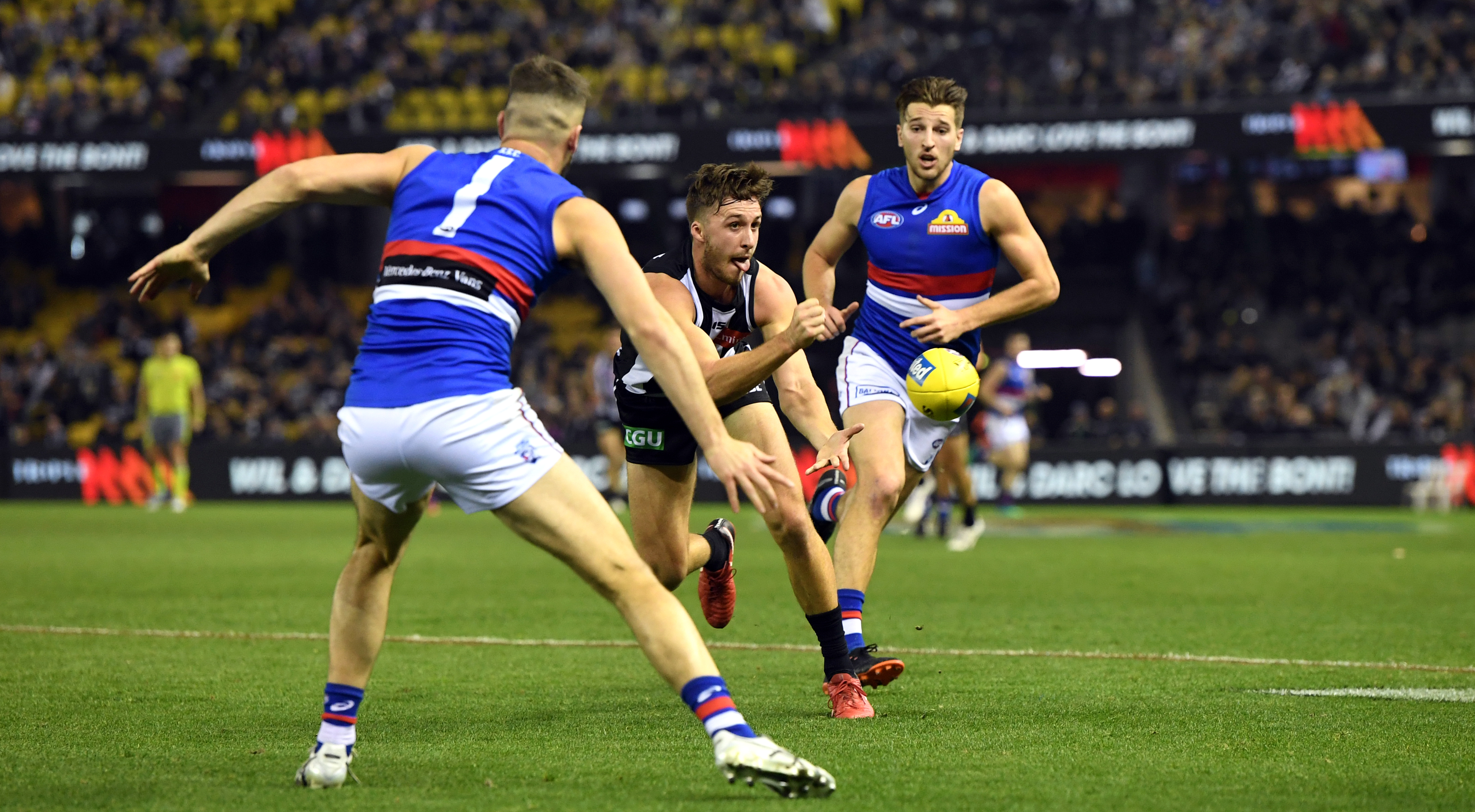 Article image for Collingwood defeat the Bulldogs at the G