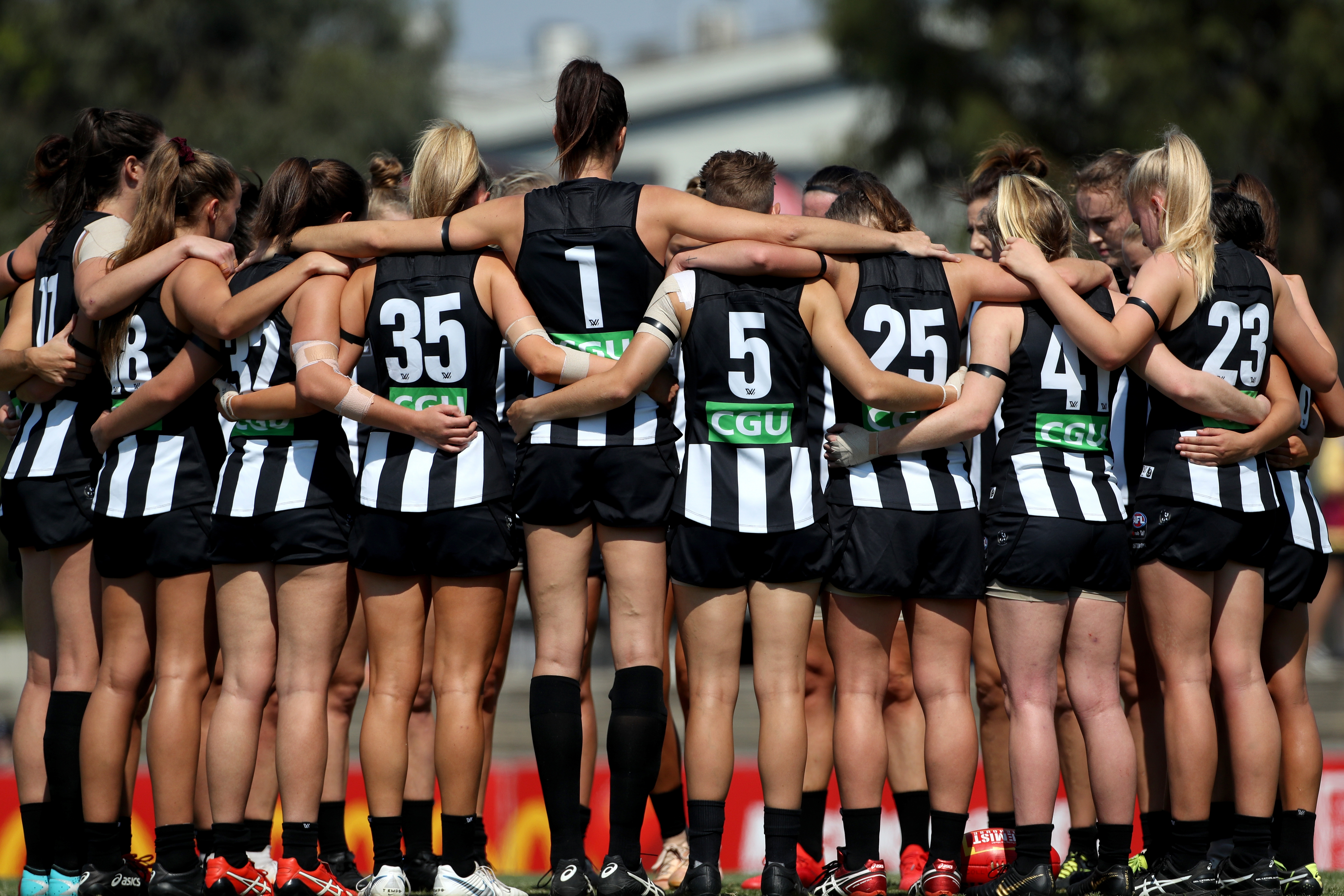 Article image for The former AFL coach in line to coach Collingwood's AFLW team