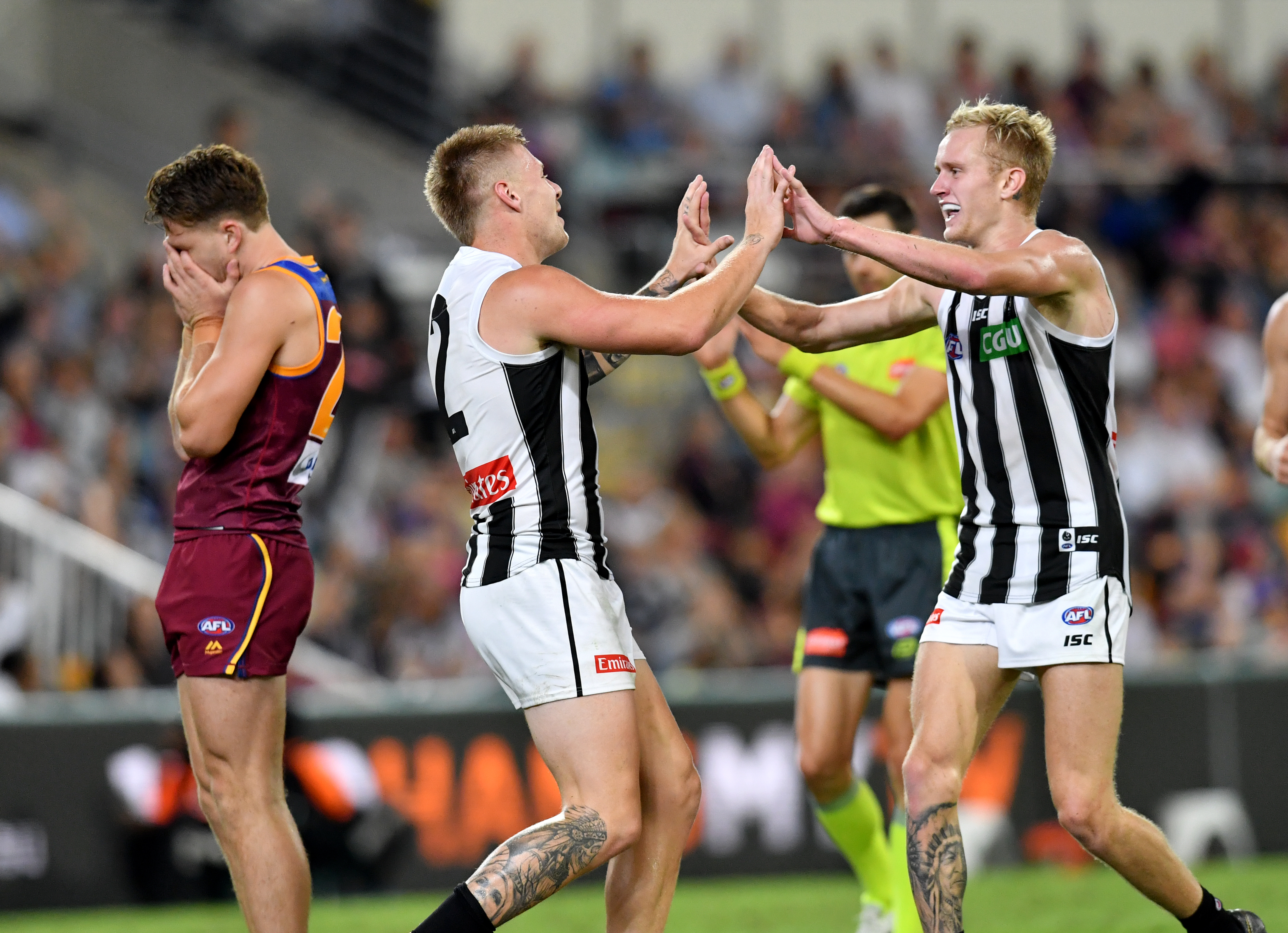 Collingwood cruise to victory in Brisbane