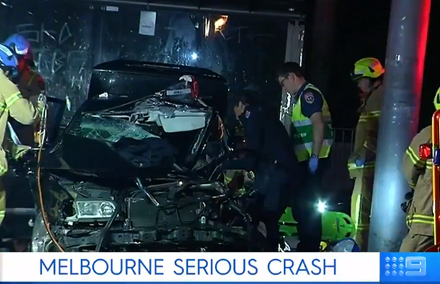 Article image for Passenger fighting for life, Plenty Road shut down after major Bundoora smash