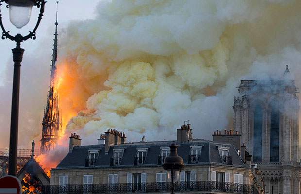 Article image for 'Notre-Dame is aflame': Tears in the street as Paris hearts break