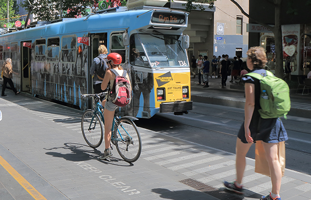 Article image for Push to 'pay' cyclists who ride to work