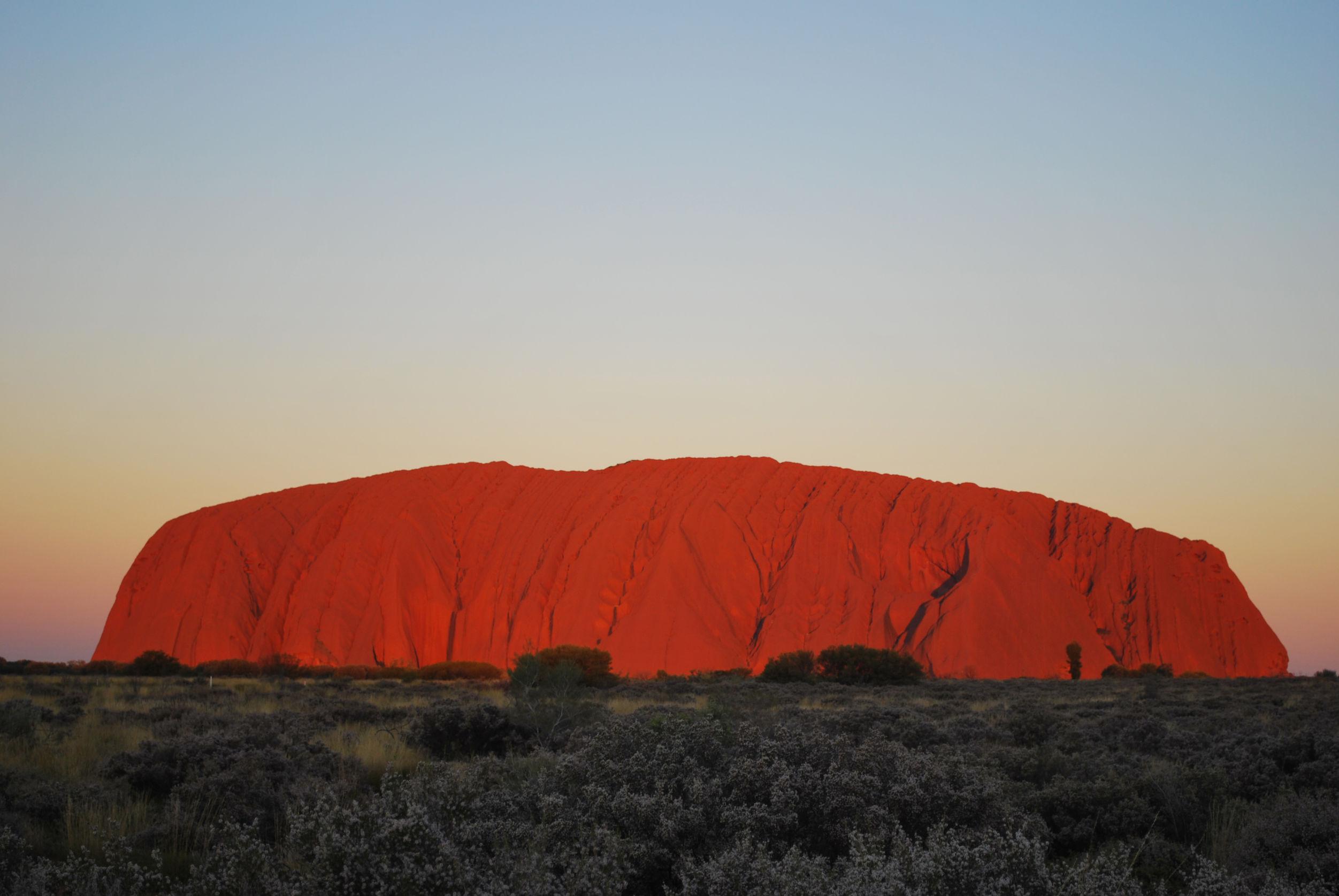 Article image for No climbing: Tourists flock to Uluru as climb ban approaches