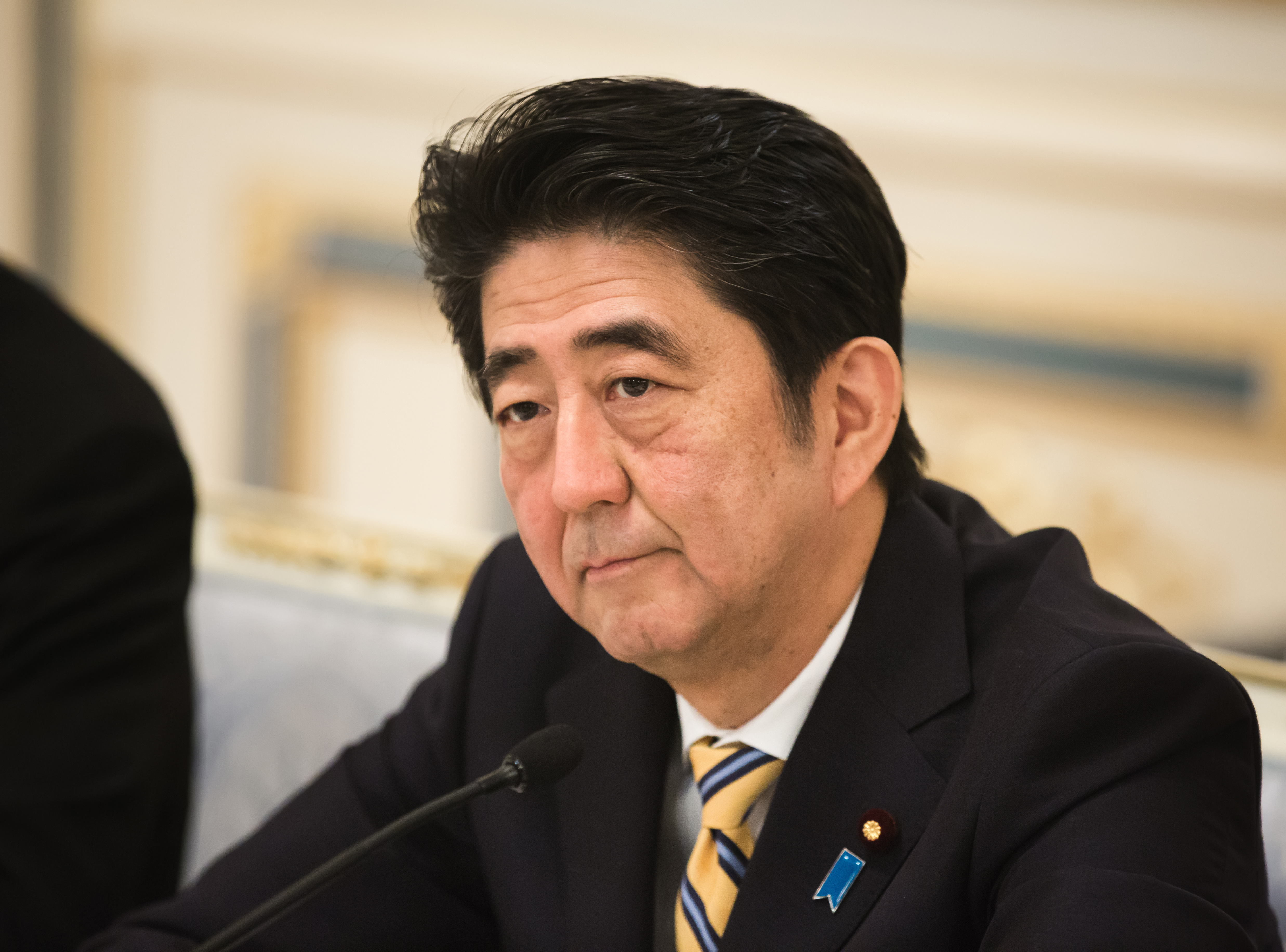 Article image for Flip it and reverse it: Japanese Prime Minister says we've got his name the wrong way around