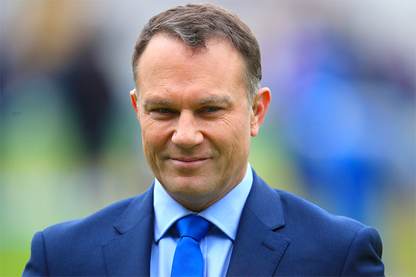 Former cricketer Michael Slater kicked off plane amid angry spat