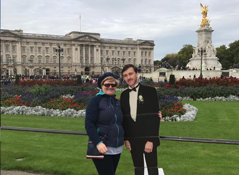 Grieving wife travels the world with cardboard husband
