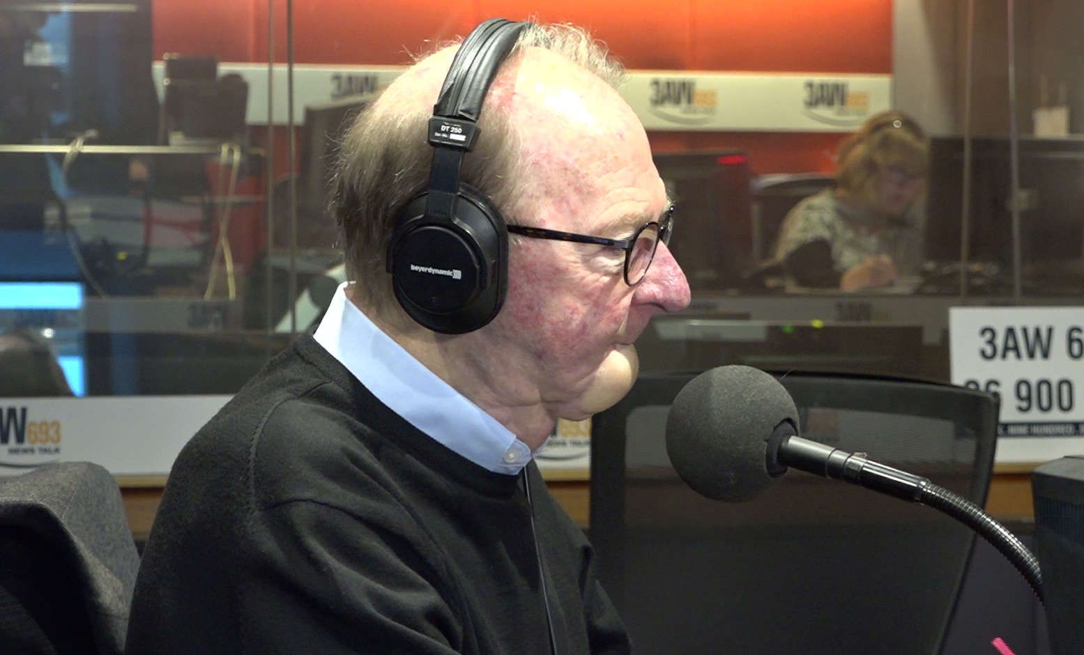 Article image for Radio and TV icon, John Blackman, opens up to Neil Mitchell about his health battle