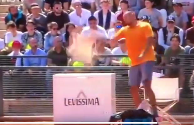 Article image for Kyrgios reaches new low in extraordinary Italian Open meltdown, walk-off