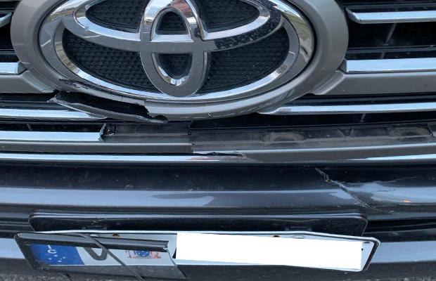 Article image for Falling signs: Eastlink investigating after driver hit