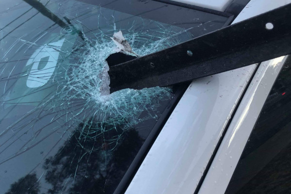 Article image for Near miss: Steel beam smashes through windscreen