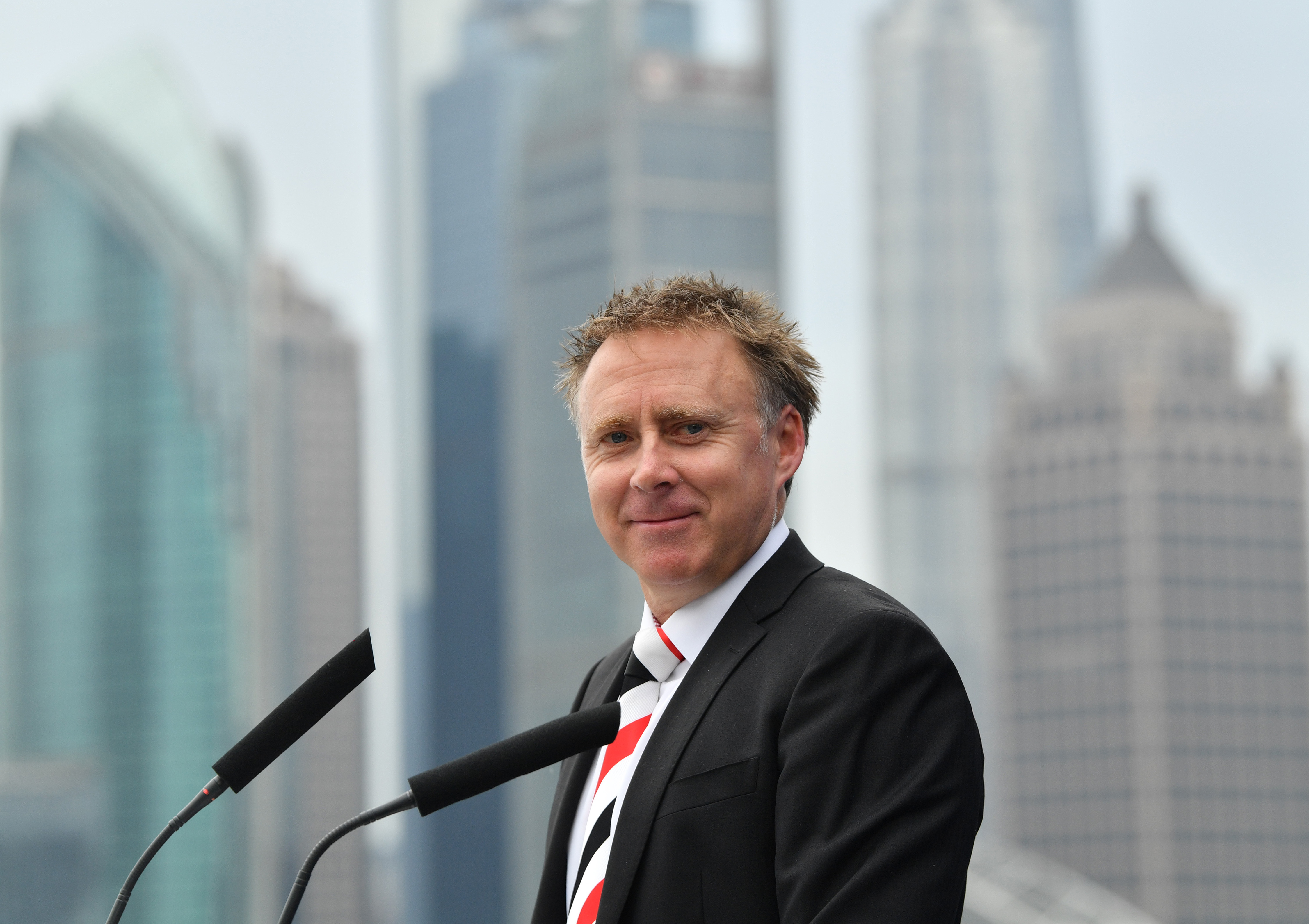 Article image for Finnis defends St Kilda's China experiment, says illness issue overblown