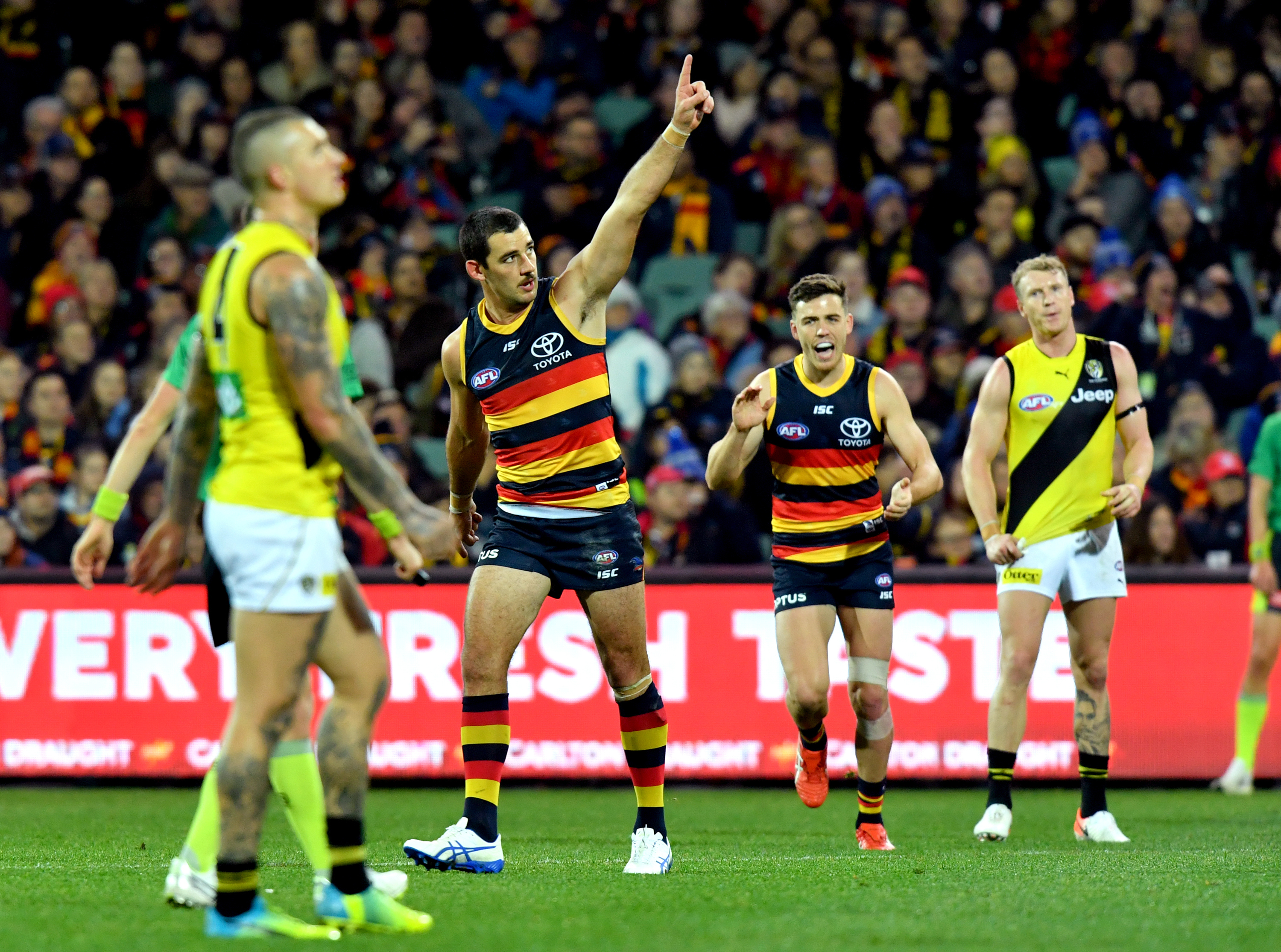 Article image for Crows steal the show and send the Tigers packing