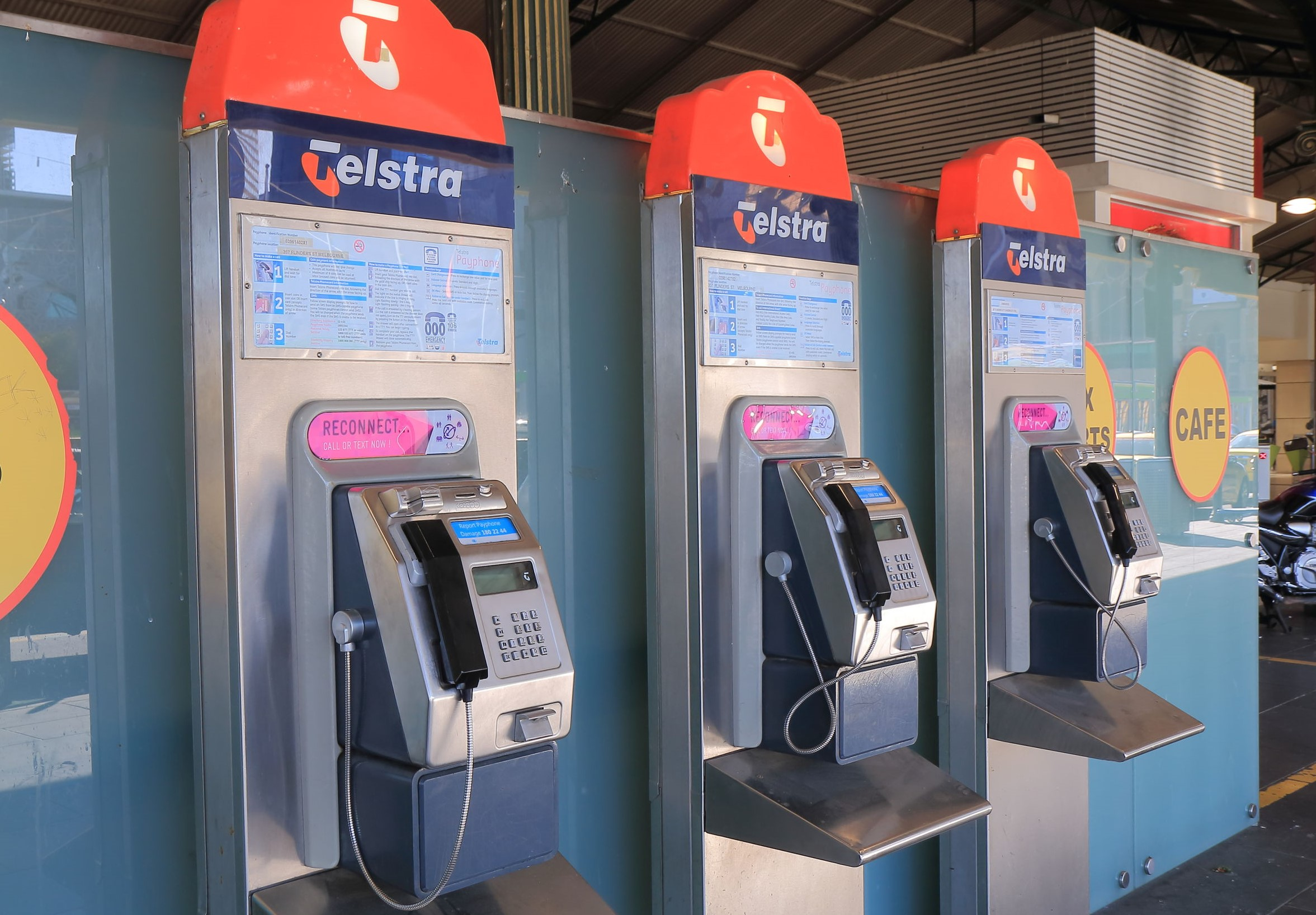 Article image for Telstra upgrades payphones to receive calls, Tom Elliott asks 'who would use this?'