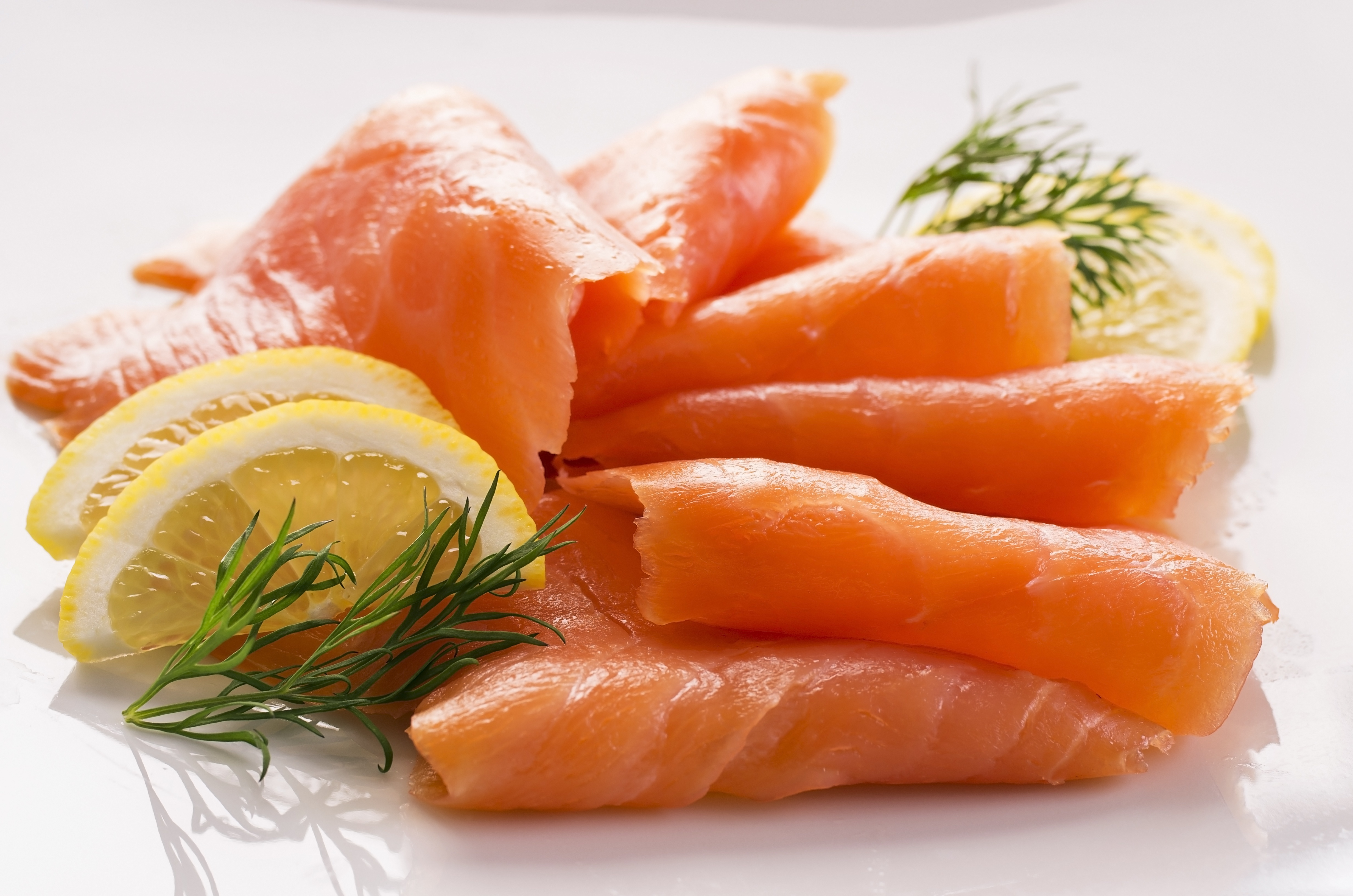 Article image for Two Australians dead after eating contaminated smoked salmon