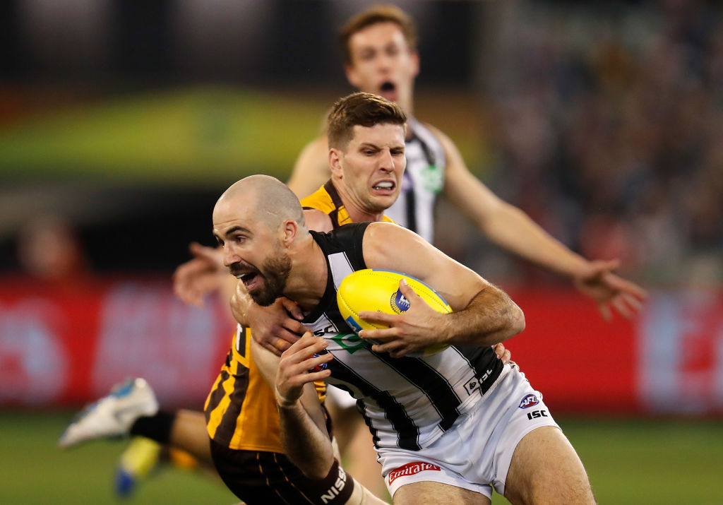 Article image for Star Collingwood midfielder refuses to call poor form a 'crisis'