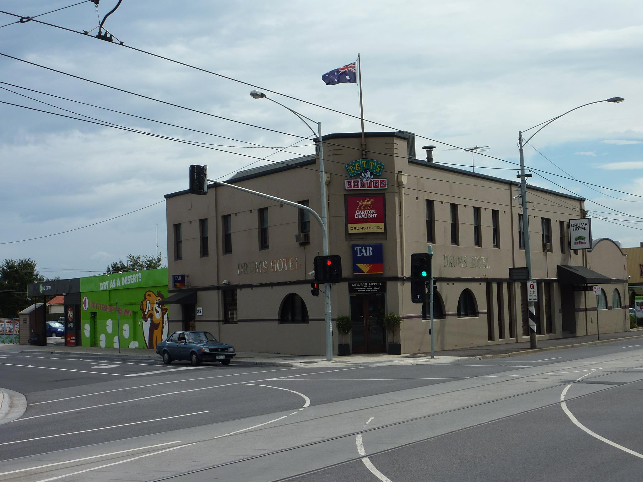 Article image for Pub Of The Week: Tony Leonard reviews the Drums Hotel, Coburg