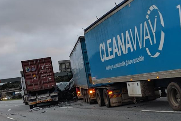 Article image for Monash Freeway miracle: No serious injuries after horror crash which forced road closure