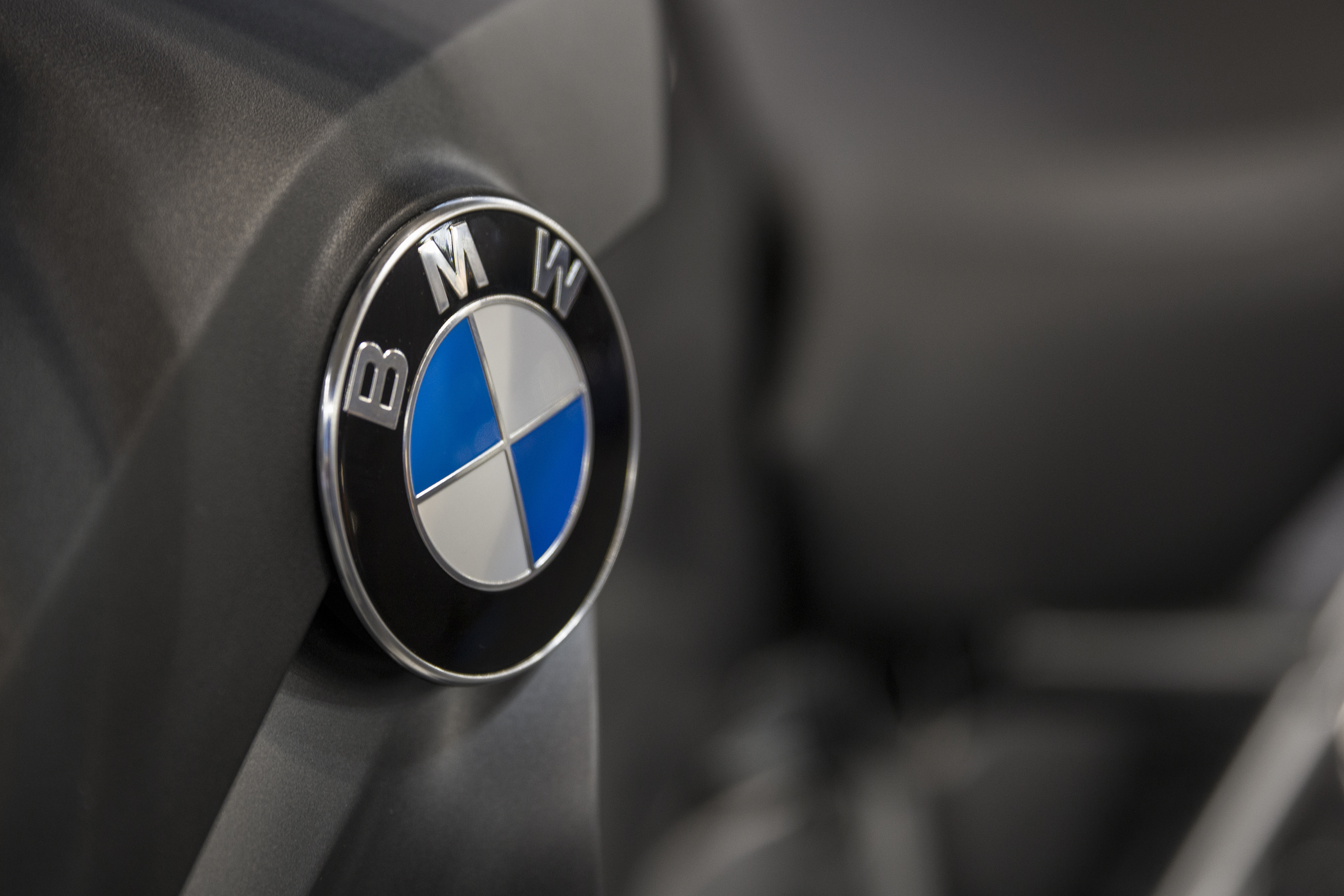 Article image for Woman attacked, has BMW stolen after alleged ramming at Essendon