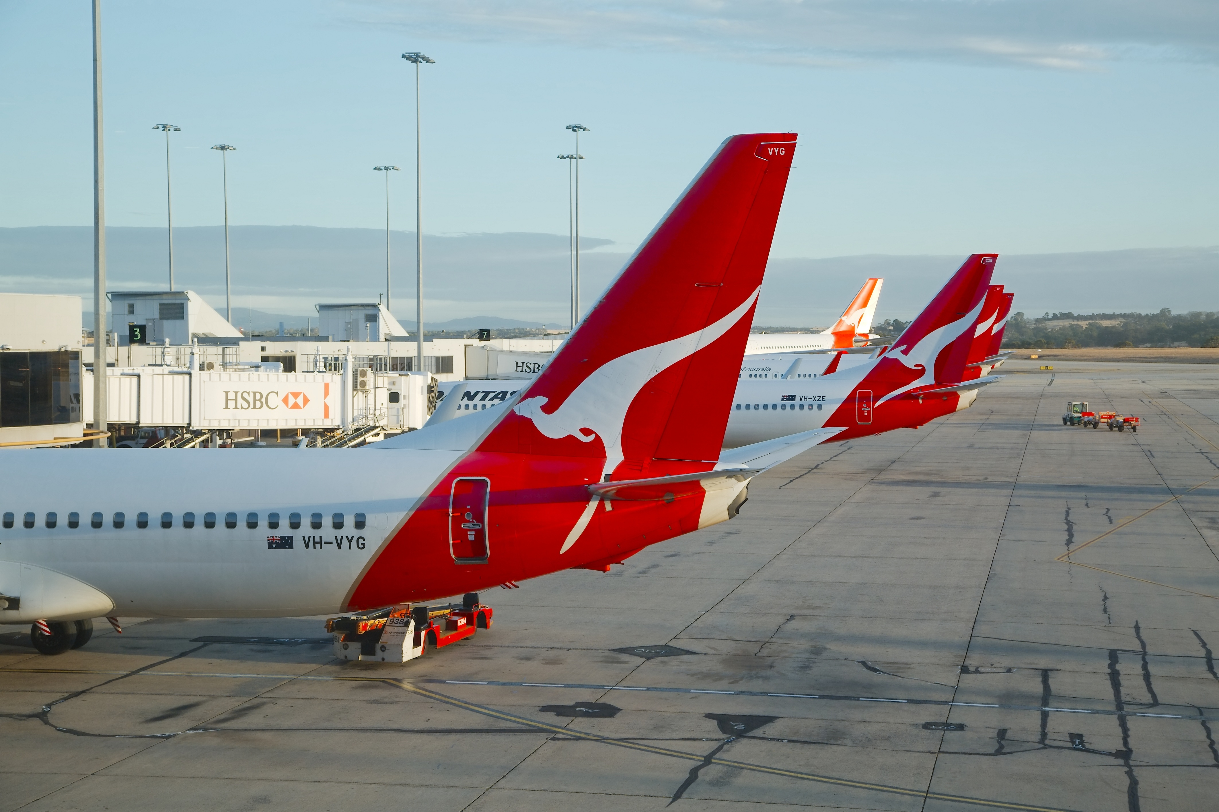Qantas leaves hundreds of passengers stranded in the US after