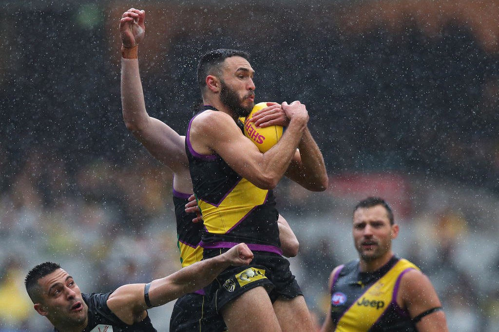Article image for Tigers sneak into the top four after a scrappy win