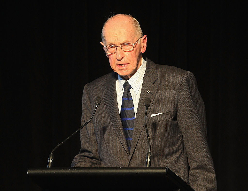 Article image for Tributes flow for Former Victoria Police chief commissioner Mick Miller