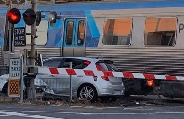Article image for Spotswood smash sparks peak hour pain on multiple train lines