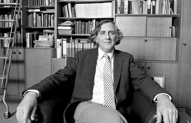 Article image for Sociology expert hits back at Geoffrey Blainey over calls to make it harder to get Australian citizenship