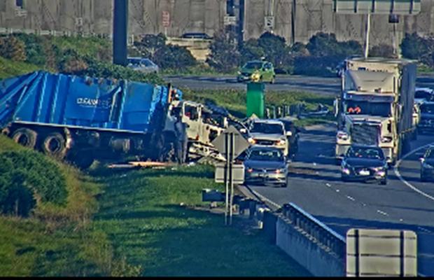 Truck crash on Monash sparks Friday morning delays