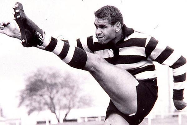 Article image for Tributes flow for AFL/VFL legend Graham 'Polly' Farmer
