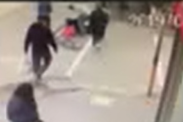 Article image for VIDEO: Woman hit by speeding cyclist at Hawthorn pedestrian crossing