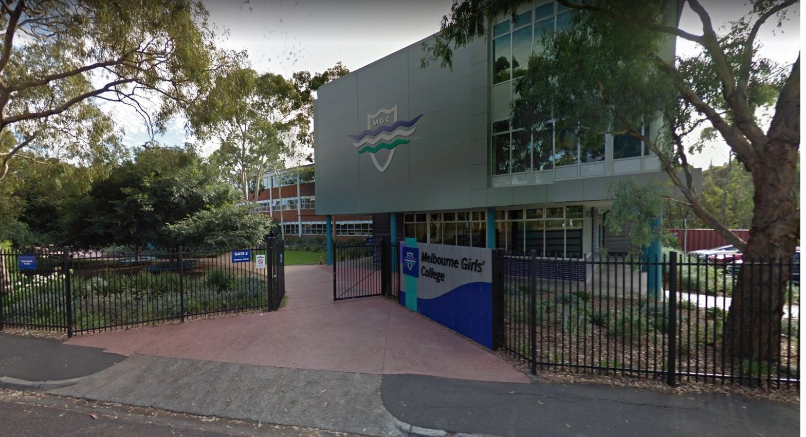 Article image for Melbourne Girls College removes ALL bins to prevent waste