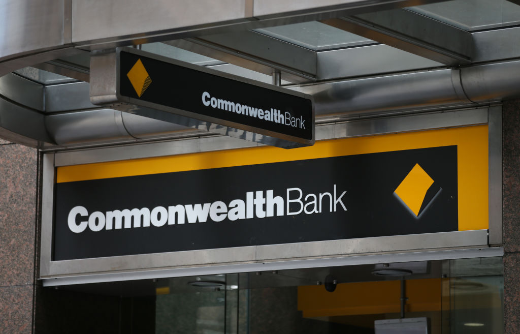 'Bear with us': Commonwealth Bank warns of delays following crippling outage