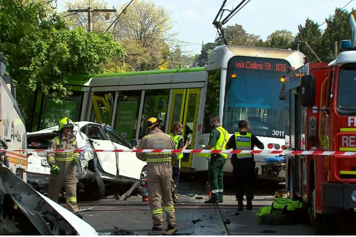Article image for Third strike: Tram which ploughed through a Kew fence has derailed twice before