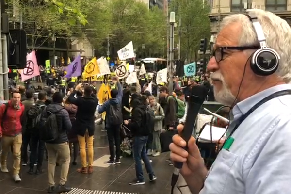 Article image for CBD standstill: Climate protesters swarm Melbourne Central