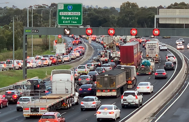 Article image for 11-car pile-up in a bad morning on the Monash Freeway