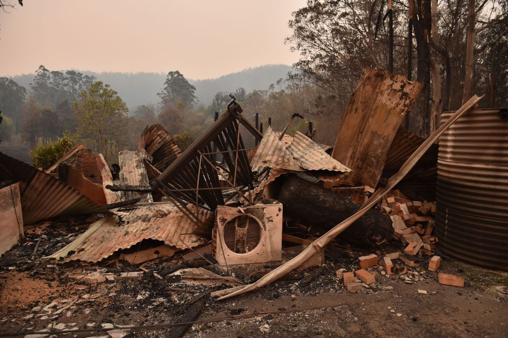 Article image for 'Just coping': Man who lost everything in bushfires describes the devastation in his community