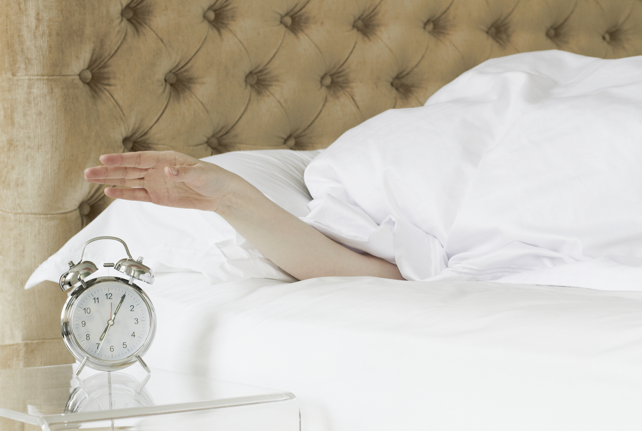 Article image for Why some people thrive on five hours sleep, but others need 10 hours