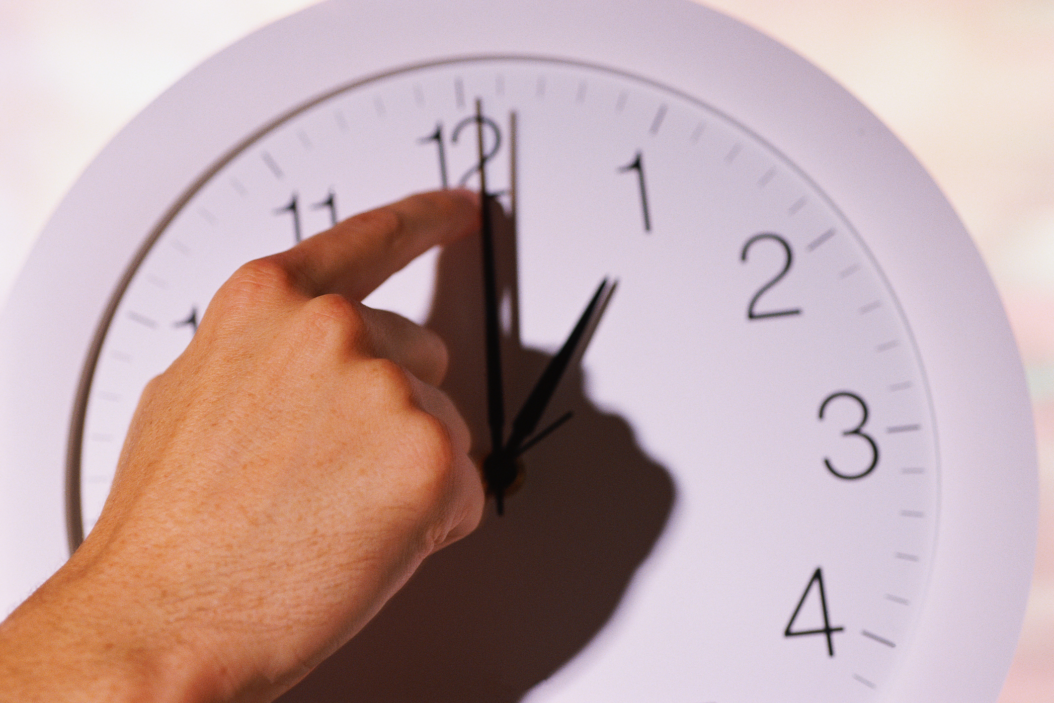 Article image for 'Get rid of it': Sleep experts call for daylight saving to be axed