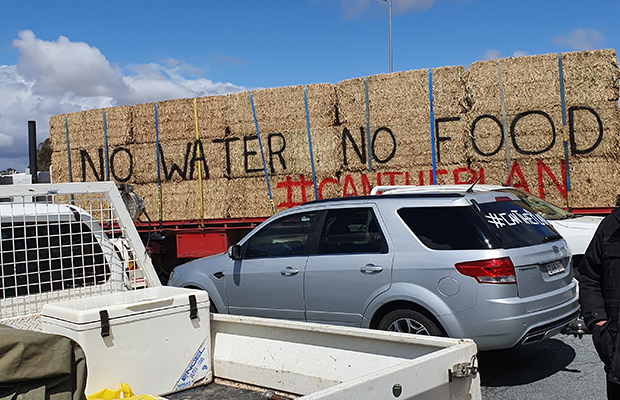 Article image for 'There's probably 300 trucks': Protesters voice opposition to Murray-Darling Basin plan