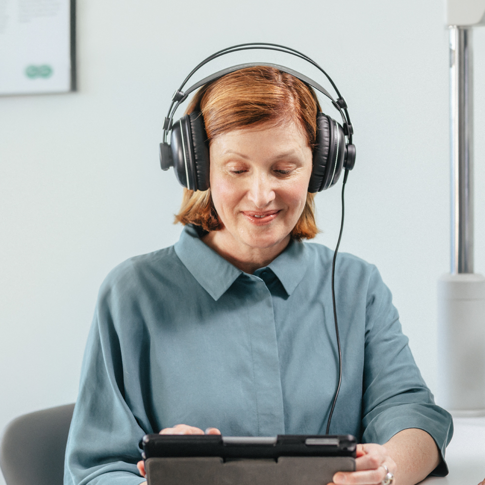 Many Australians avoid awkward conversations about hearing loss