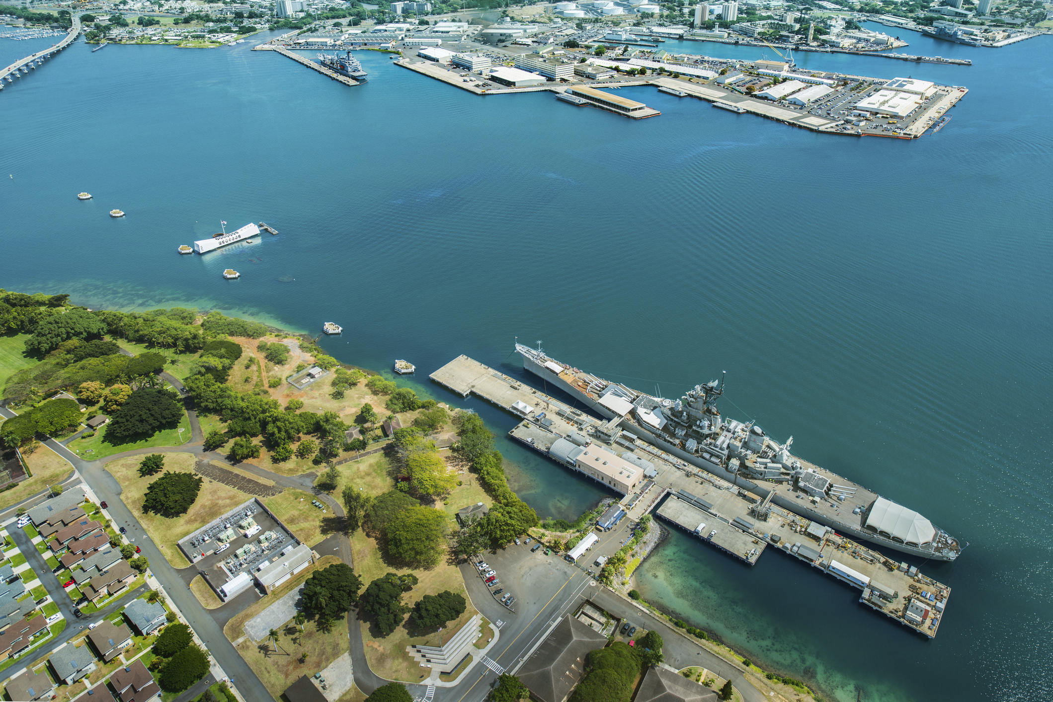 Three people dead after shooting at Pearl Harbor