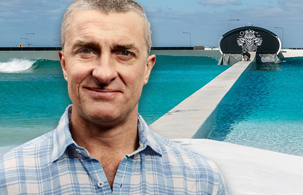 Tom Elliott has 'one of the best' surfs he's ever had (and it was in the city!)