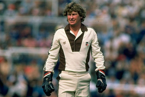 Ian Smith reveals the player who will go down as the best ever Kiwi batsman