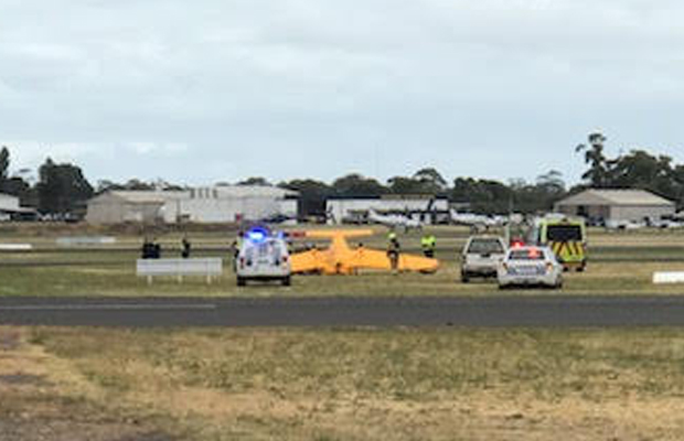 Article image for Moorabbin plane crash: Pilot rescued from wreckage with serious injuries