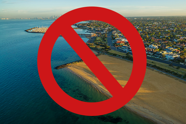 Article image for Water warning: High risk of illness if you or your pets swim in the bay