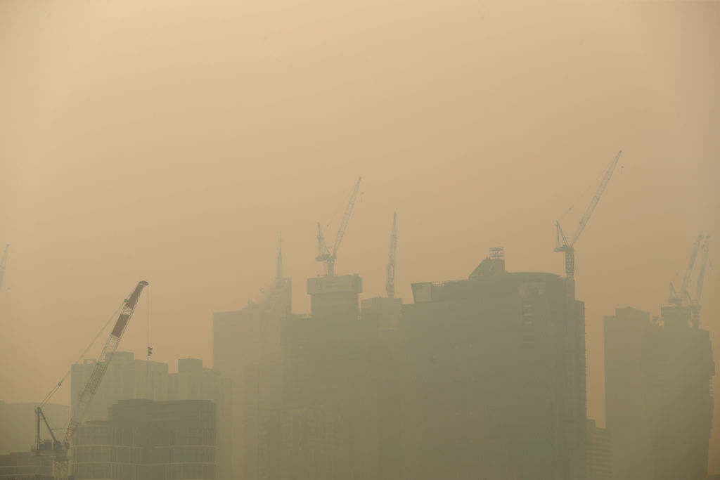 Article image for Melbourne set to be choked by smoke again, sparking union directive to workers