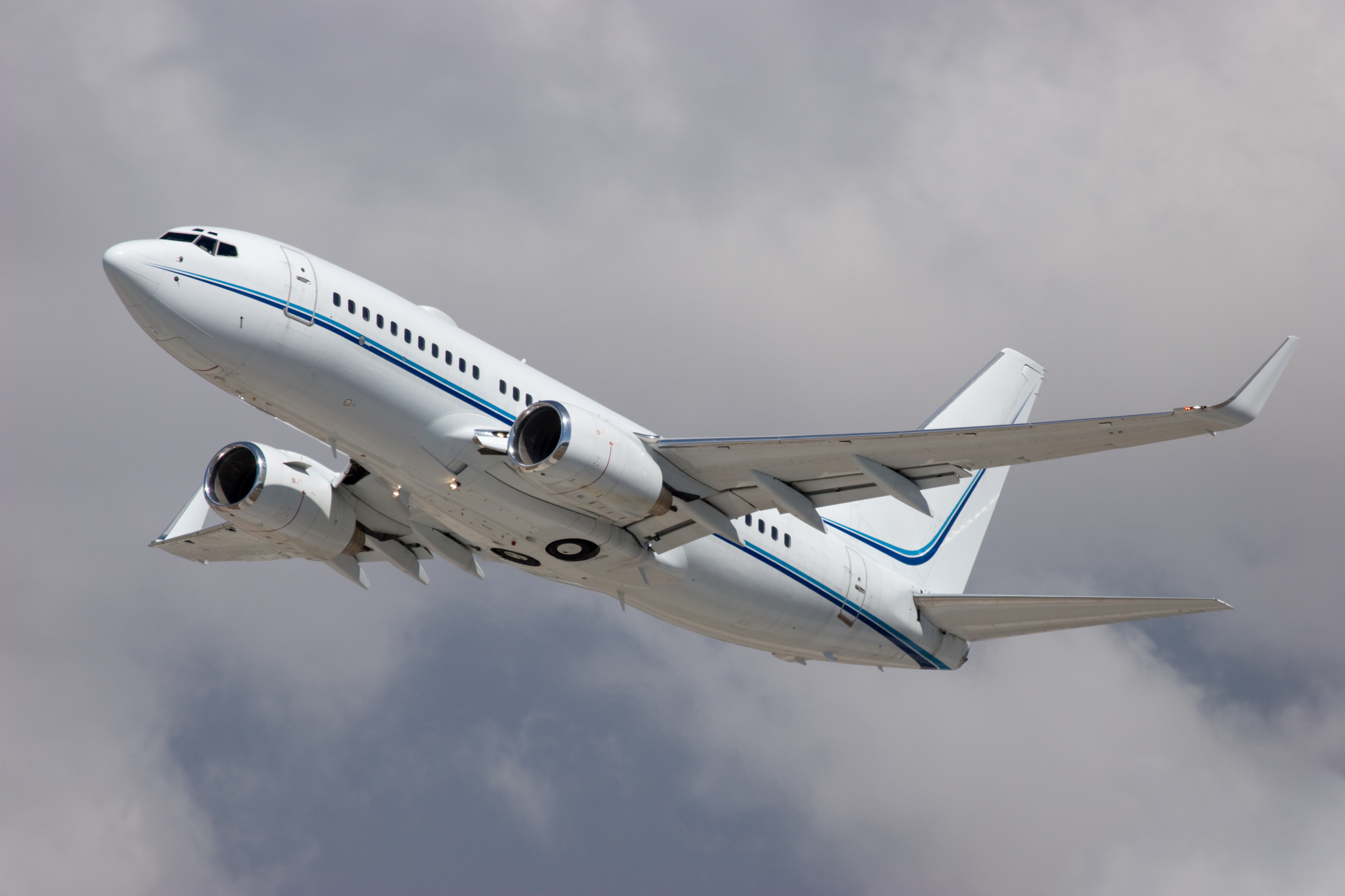 Article image for Plane carrying 180 people crashes in Iran